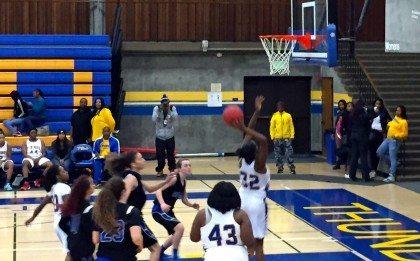 women's basketballl 1-13-14